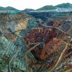 ペルーセロデパスコの街に巨大穴と鉛中毒の原因(理由)がヤバイ!子供たちの環境汚染も深刻![世界仰天ニュース]