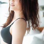 平野ノラの年収に驚き。仮装グッズも販売、美人すぎる下着モデル姿や若い頃の写真やすっぴんがヤバイ。